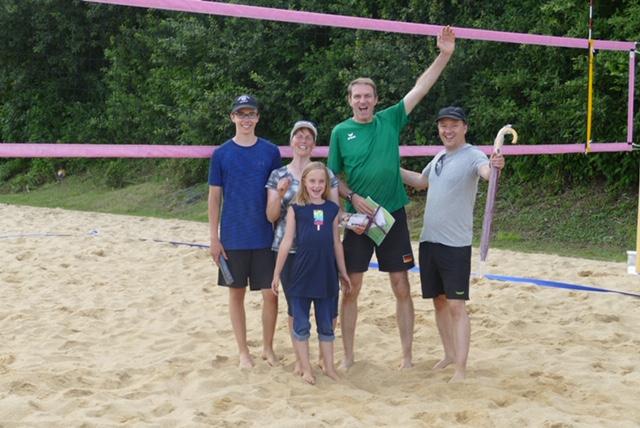 Sommer, Sonne, Sand und jede Menge Spaß beim Beachvolleyball-Turnier
